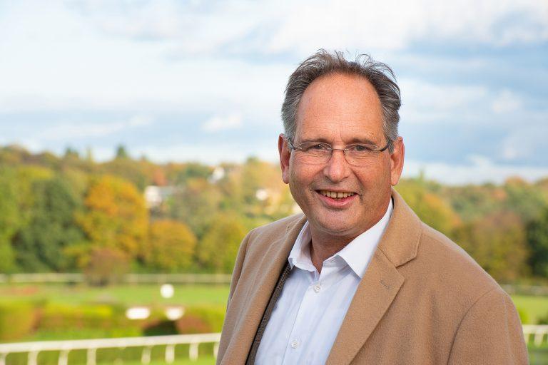 Business Portrait eines Ortsvereins Politikers